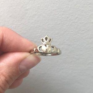 Jewelry - 10k White Gold Vintage Irish Claddagh Ring